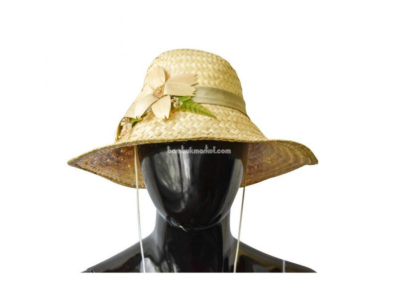 Соломенная шляпа с двумя цветками – фото 4
